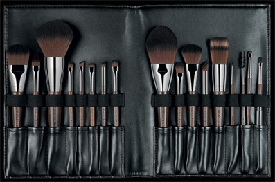6a8ef78a624 Artisan Brush Collection From MAKE UP FOREVER - Girls Of T.O.