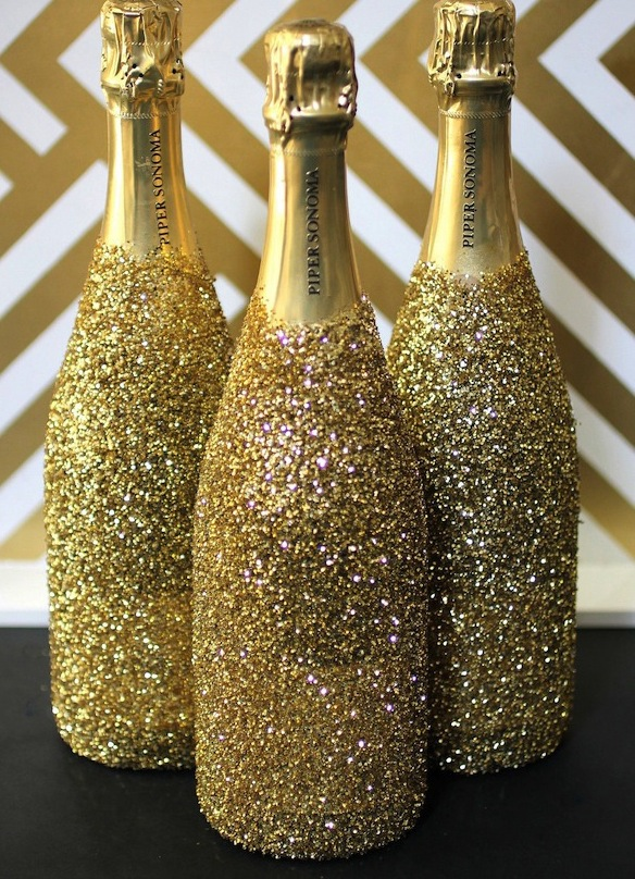 New years eve party diy inspiration girls of t o for How to decorate a bottle with glitter