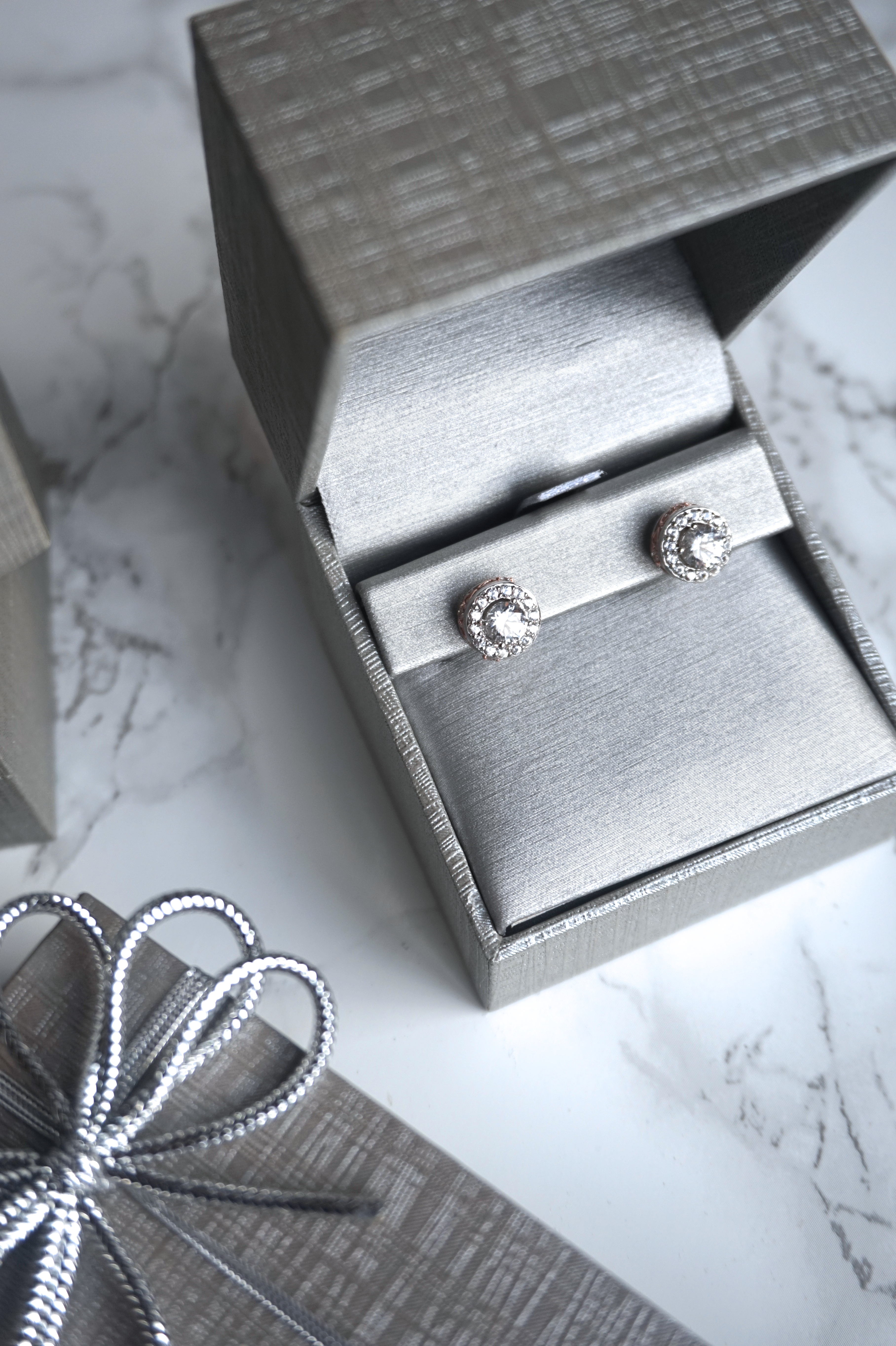 Valentine's Day Giveaway with Peoples Jewellers - Girls Of T O
