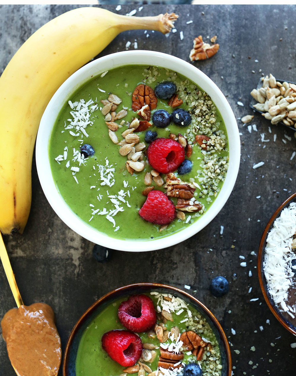 HOW-TO-Make-a-GREEN-SMOOTHIE-Bowl-vegan-glutenfree-healthy