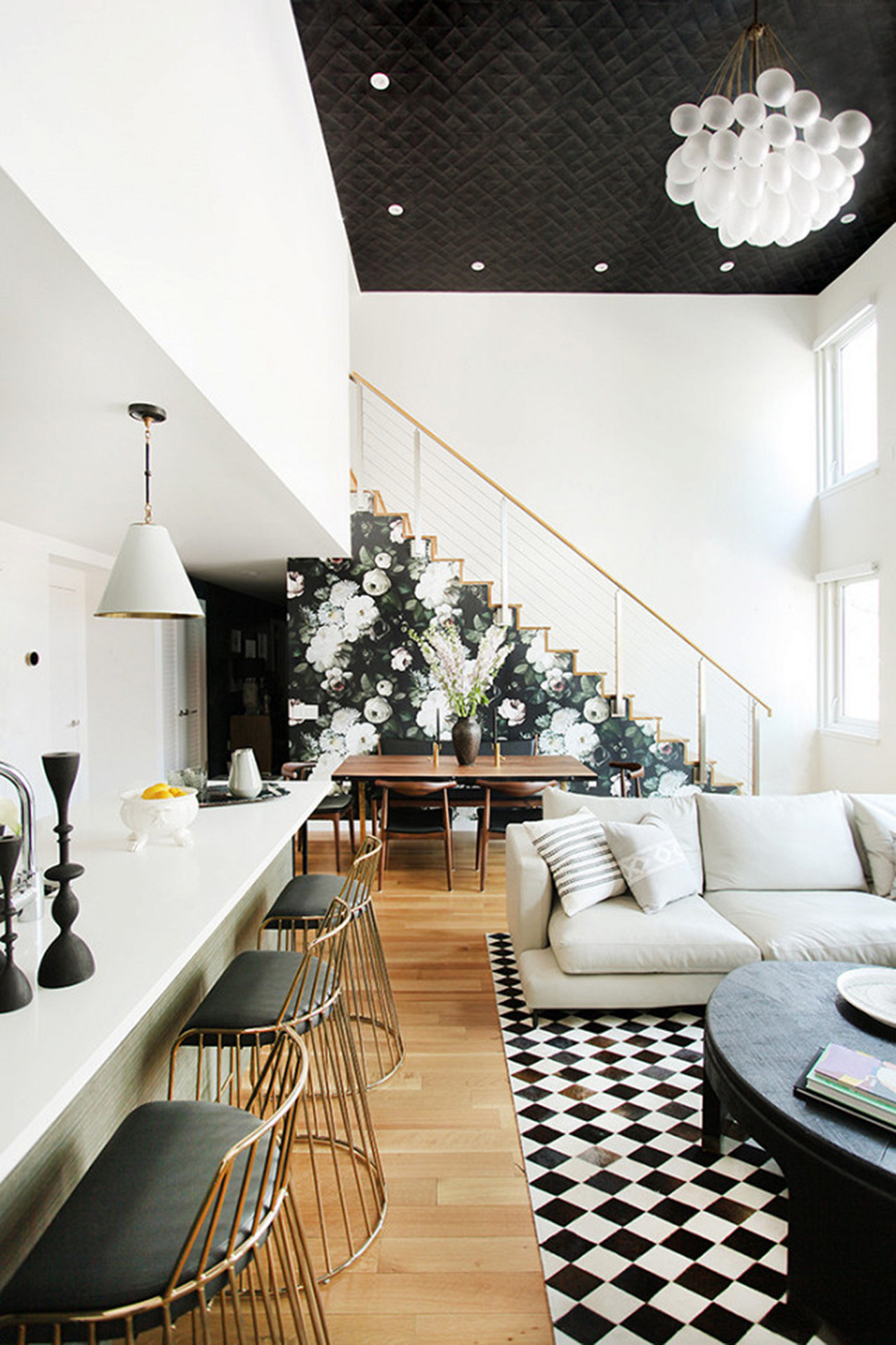 tour-a-modern-brooklyn-home-with-gorgeous-accent-walls-1954277-1477525568.640x0c